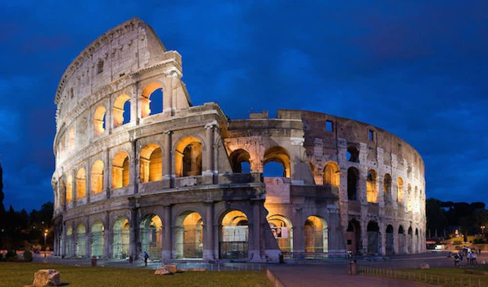 1920px-Colosseum_in_Rome-April_2007-1-_copie_2B