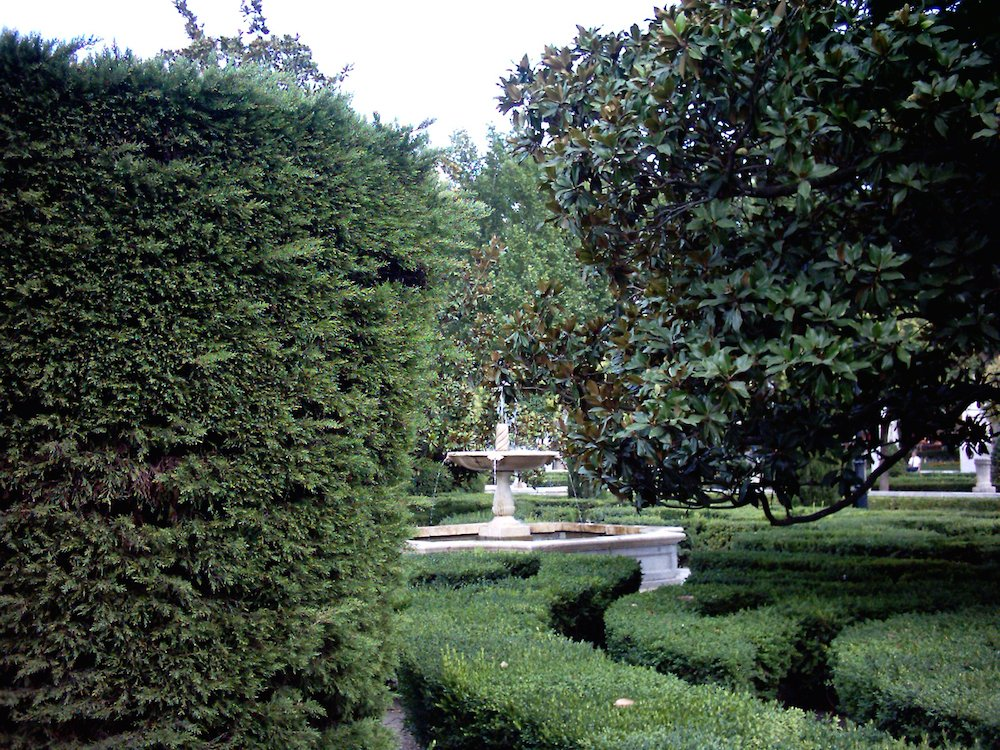 10 parques de madrid para disfrutar al aire libre for Jardines de plaza