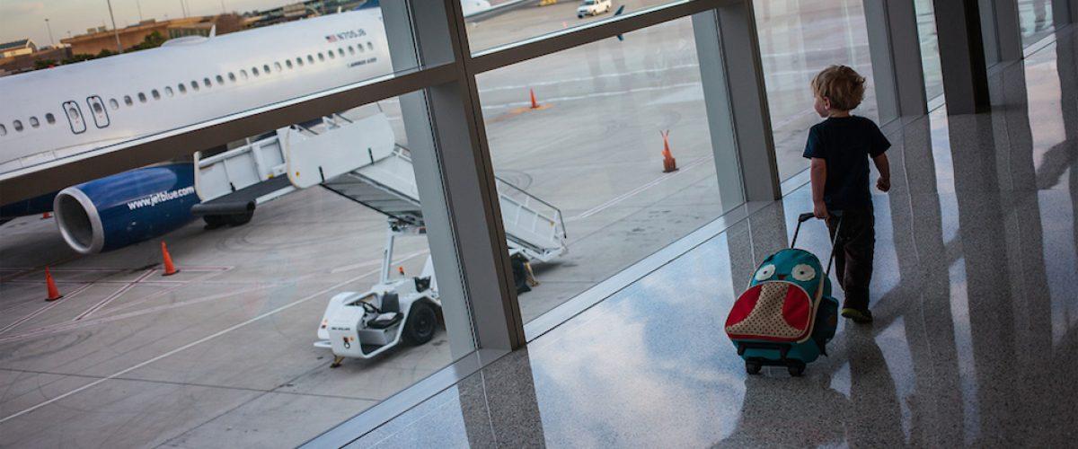 Viajando En Avión: Viajar Con Niños En Avión: 10 Consejos Para Un Viaje Sin