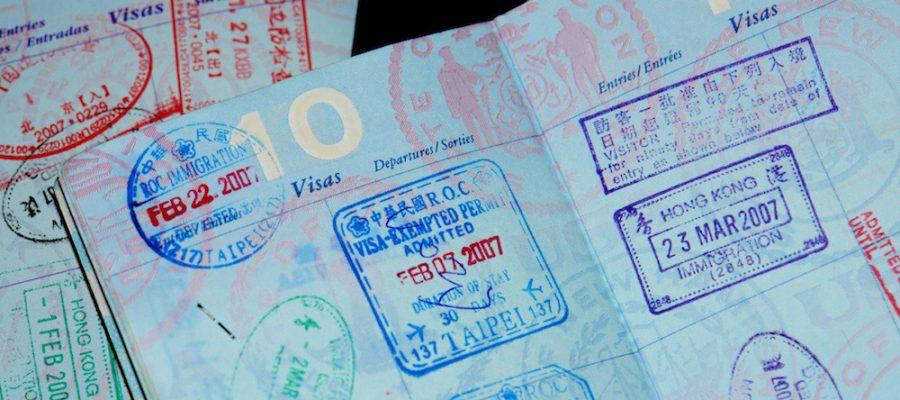Viajar con niños, ¿qué documentación necesitamos?
