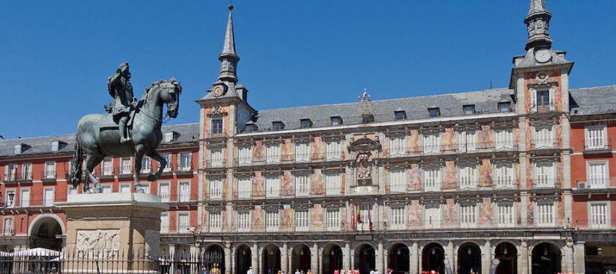 Planes con niños en Madrid, ¡tour gratis de la ciudad!