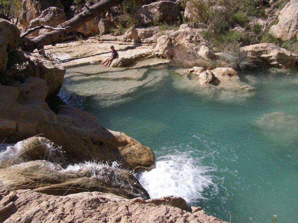 10 piscinas naturales para disfrutar en familia for Piscinas naturales guadalajara