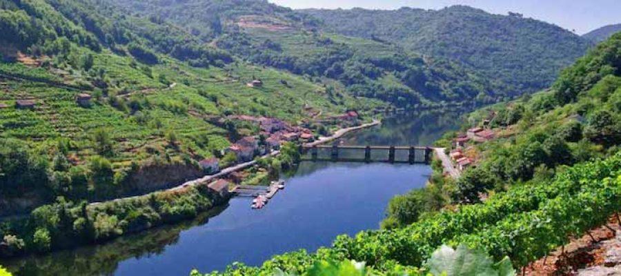 Trenes turísticos, ¡Galicia sobre rieles!