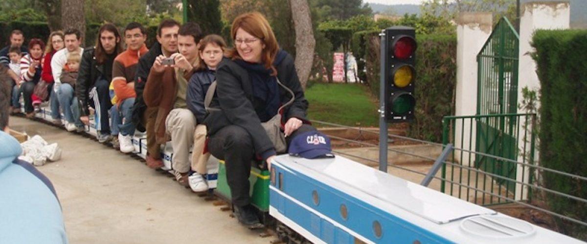 Planes con niños, tren en miniatura de Riba-roja de Túria