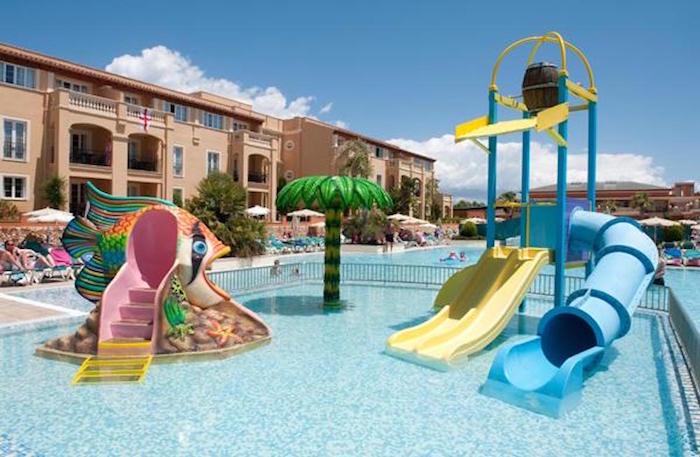 Los 10 mejores hoteles para ni os en espa a pequeviajes - Hotel piscina toboganes para ninos ...