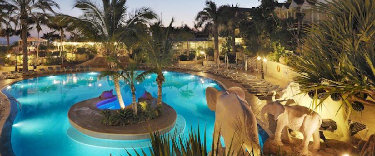 Los 10 mejores hoteles para ni os en espa a pequeviajes - Hoteles con piscina climatizada en madrid ...