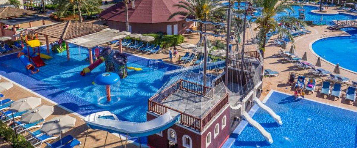 Los mejores hoteles para ir con ni os en mallorca parte 2 pequeviajes - Hoteles con piscina climatizada para ir con ninos ...