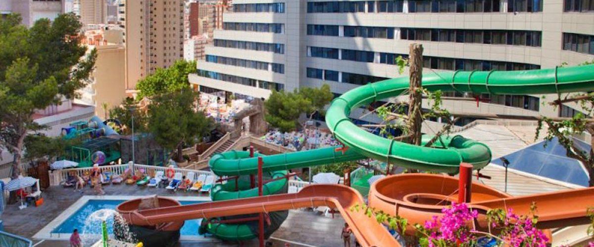 10 hoteles para ni os en benidorm pequeviajes for Hoteles con habitaciones familiares en benidorm
