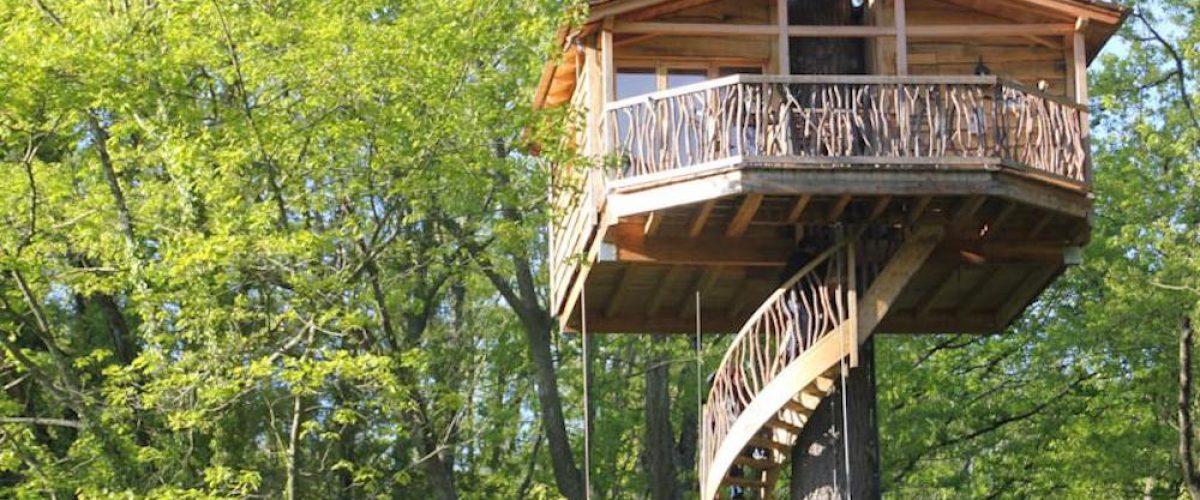 Caba as en los rboles turismo rural por los aires for Hotel con casas colgadas de los arboles