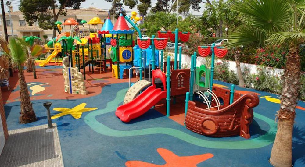 61b923390052 Camping para niños, 6 opciones en la playa | PequeViajes