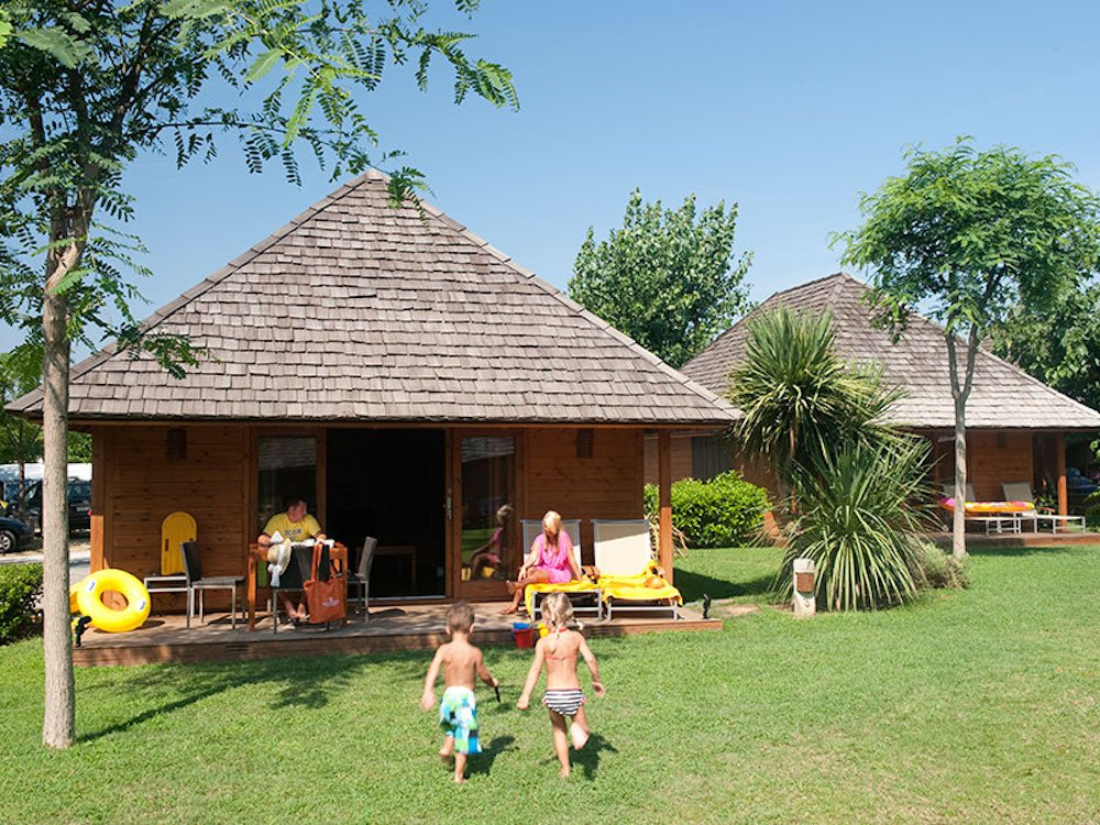 Camping para ni os 6 opciones en la playa pequeviajes - Camping interior tarragona ...
