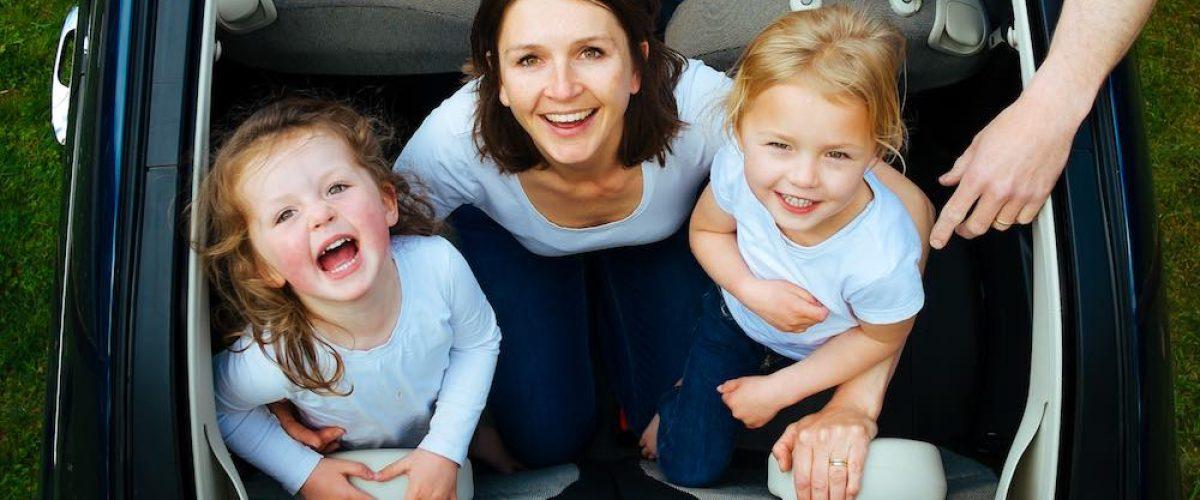 Medidas de seguridad si viajas en coche con tu familia