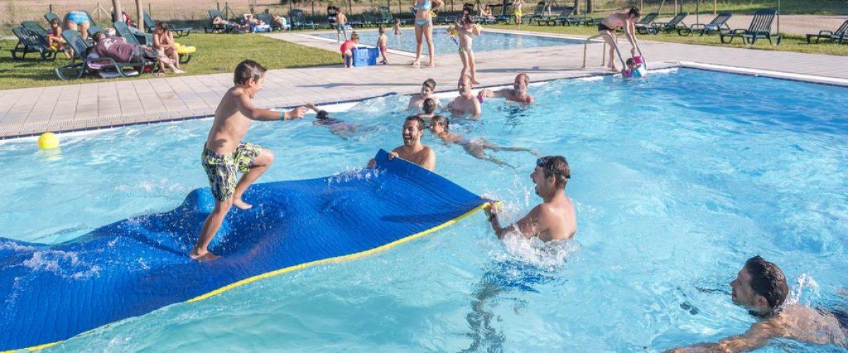 8 casas rurales con piscina para el verano pequeviajes for Casas de alquiler de verano con piscina