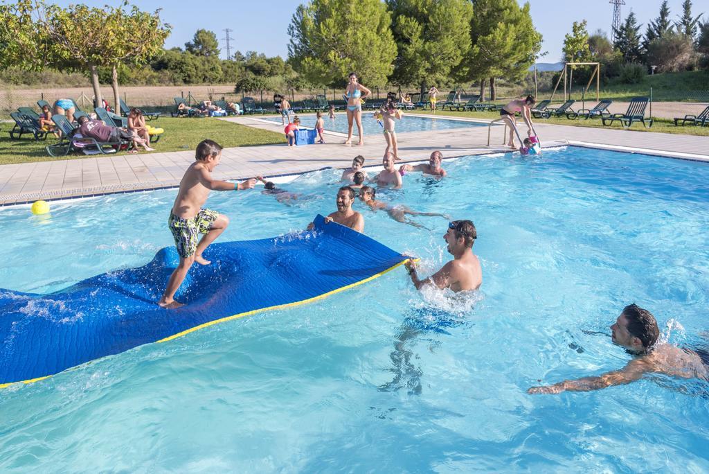 8 casas rurales con piscina para el verano pequeviajes for Complejo rural con piscina