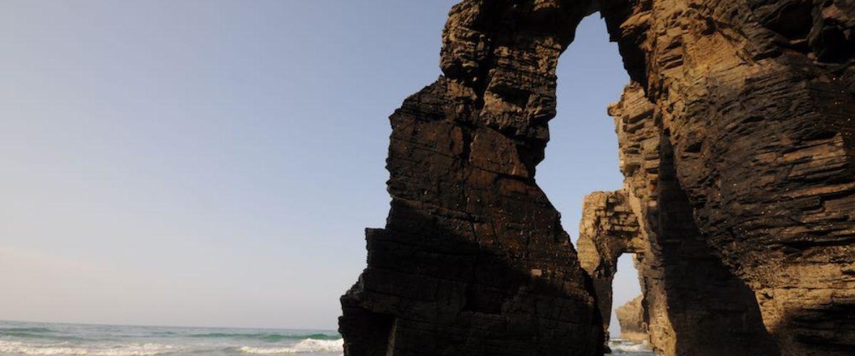 Playa de las Catedrales, una maravilla famosa en el mundo
