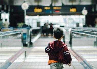 Trucos para ahorrar en aeropuertos y viajes en avión